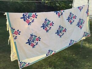 Vintage Hand Stitched Flower Applique Cutter Quilt 89 X 75 Crafts