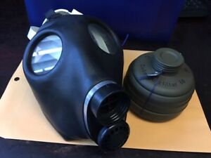 Vintage Zivilschutz Gas Mask Respirator With New Filter Sz M