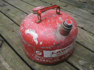 Lawn Boy 2 1 2 Gallon Round Metal Galvanized Gas Can Vented