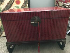 Ancient Camphor Chinese Red Chest In Wood Stand
