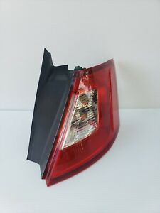 2010 12 Ford Taurus Rear Outer Tail Light Assembly Rh Passenger Side Oem