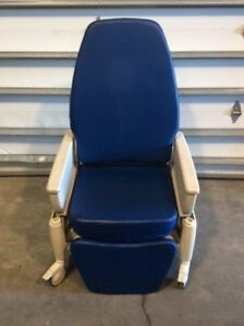 Hill rom P1320 Procedural Recliner Exam Chair 5 Medical Hospital Furniture