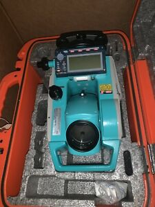 Sokkia Dual Display Total Station Set530r Mint