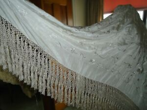 Antique Victorian Chinese Silk Embroidered Cream Piano Shawl 50 X 50 7 Fringe