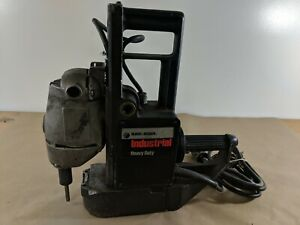 Black Decker Industrial 1 2 In Reversible Magnetic Drill Press 1557