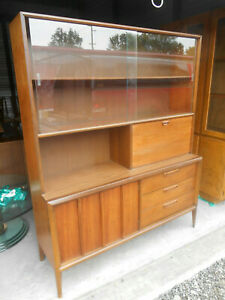 1960 S Mid Century Danish Modern Walnut Buffet Credenza China Hutch Wall Unit