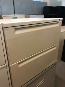 2 Drawer Lateral Size File Cabinet By Herman Miller W lock key 30 w