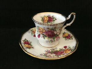 Footed Tea Cup Saucer Set Purple Roses Rosina Queens China England Gold Trim