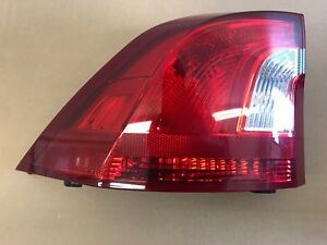 11 17 Volvo S60 Left Rear Tail Light Assembly 31395930
