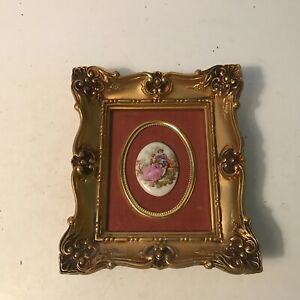 1990 Cameo Picture Frame With Porcelain Oval Figural Victorian Theme Art Work