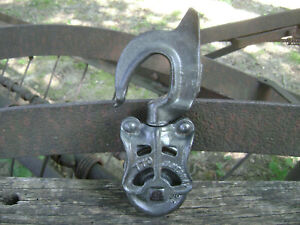 Antique Vintage Cast Iron Barn Pulley Old Farm Tool Rustic Primitive Industrial