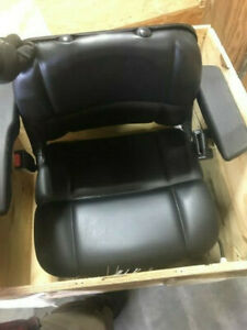 Brand New Case New Holland Driver Seat 85821402