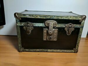 Vtg 1930 S Salesman Sample Miniature Steamer Trunk Black Metal W Eagle Lock Co