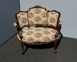 Vintage French Country Provincial Ornate Carved Chair Settee Floral Tapestry 1