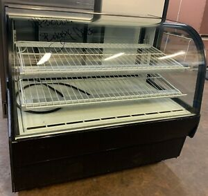Federal Cgr5042 Refrigerated Curved Glass 50 Bakery Display Case