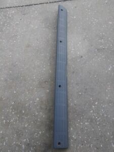 Toyota Tacoma Oem 1998 99 2004 Gray Passenger s Side Door Sill Plate Scuff Rh