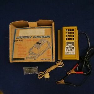 Vintage Bon Aire 1 1 2 Amp Battery Charger 12 Volt For Cars Boats Motorcycles