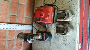 Snap on Tools Ct4410a 3 8 Drive 14 4v Impact W 3 Batteries And Charger F50