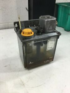 Lube Corp Automatic Lubricator Model N a 100v 4 3 5 W Plastic Tank Used