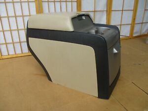 03 06 Lincoln Navigator Tan Rear Back Center Drink Cup Holder Storage Console