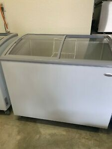 Premium 7 4 Ft3 Freezer White With Curved Glass Door Model Pfr740g