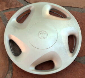 1997 1998 1999 2000 97 98 99 00 Toyota Tacoma Hubcap Wheel Cover 14 Inch Oem