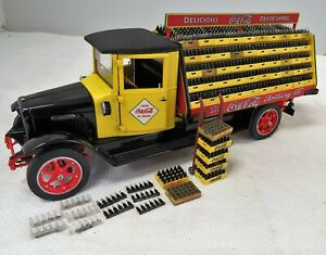 DANBURY MINT 1928 COCA COLA DELIVERY TRUCK 1/24 WEATHERED MIXED LOAD, READ LOOK.