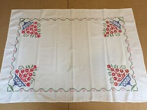 Vintage Hand Cross Stitched Ivory Linen Tablecloth Red Roses 34 X 26
