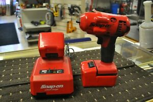 Snap on Tools Ct8810a 3 8 Cordless Lithium Impact Wrench W 2 Battery