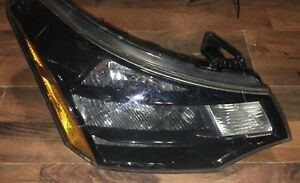 Be Bright 2010 Ford Focus Black Trim Head Lamp Pass Side Has A Crack