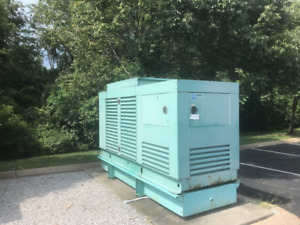 2006 Cummins 250 Kw Dfac Diesel Generator Enclosed With Tank 278 Hours