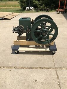 Small Early Nelson Brothers 1 1 2 Hp Hit Miss Gas Engine Runs