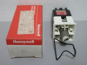New Honeywell Micro Switch 911agc011jb Multi light Oiltight Control