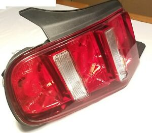 Genuin Oem Ford 2010 2012 Mustang Tail Light Ar33 13b505 a Lh