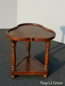 Vintage French Country Clover Leaf Oak 3 Legs Side End Table