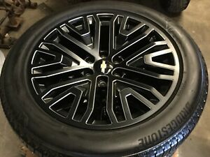Oem 2019 Chevrolet Chevy Suburban Tahoe 22 Wheels Tires Oem New Only 11 Miles