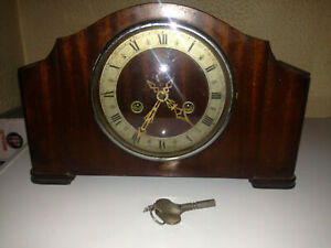 Vintage Enfield Wooden Chiming Mantel Clock With Key Not Working