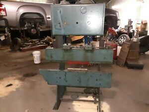 Mechanical Press Brake 4ft Over All 31 5inches Between Columns 220 3 Phase