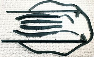 1959 1960 Buick Cadillac Oldsmobile Convertible Roof Rail Weatherstrip Set
