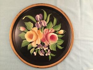 Vintage Black Metal Tole Tray Hand Decorated Pilgrim Art 500 Tole 11 5 Round