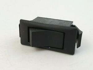 Eaton 150011e Rocker Switch Spst 2 Position On off 15a 125v Quick Connect Tabs