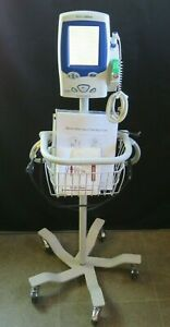Welch Allyn Spot Vital Signs Lxi Monitor W Temp Stand