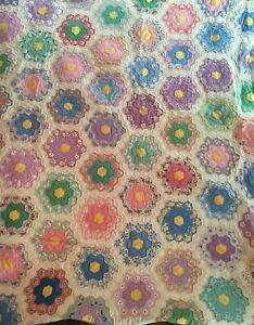 Antique Vtg Hand Sewn Patchwork Quilt Flower Garden Scalloped Edges 74 X 92