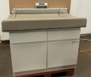 Umf 5900 Pediatric Examination Table With Digital Scale