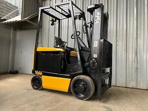 Yale Erc050 5k Capacity Electric Sit Down Forklift