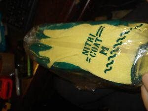 Perfect Fit Nitri Coat Gloves Made With Kevlar Size Medium Kv350 m pack Of 12