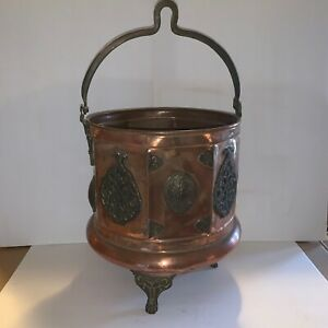 Rare Antique Copper Cauldron 3 Leg Embellished With Bail Read For Condition