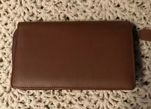 Day timer Brown Leather Credit Card Holder And Organizer 8x5 Zip Around New