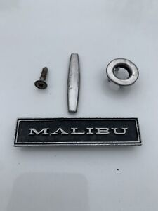 Original 1970 1972 Chevelle Malibu Door Panel Parts Emblem 7793368 W clips