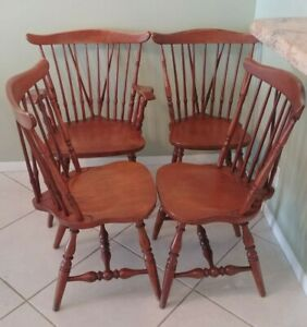Set Of 4 Early New England Windsor Chairs